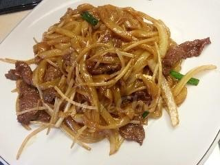 Beef fried noodle (Stir fry Beef Hoi fun, Cantonese style)
